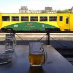 ビールを飲みに駅にいこう。プラハ・デイヴィツェ駅、2015年5月14日。